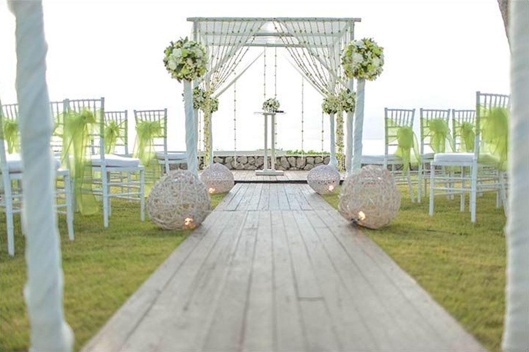 Como decorar o altar para deixar seu casamento no campo cheio de charme