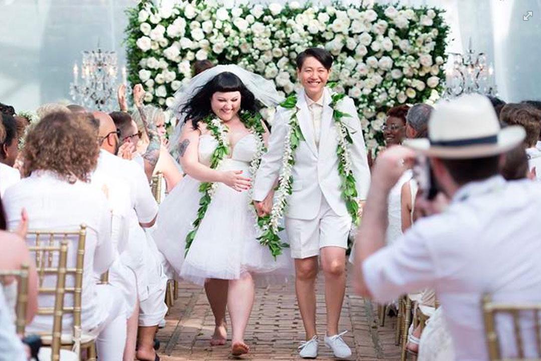 Casamento gay Guia com looks inspiradores para noivos e noivas