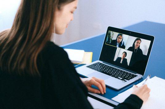 Aprenda a Organizar um Evento Corporativo Online