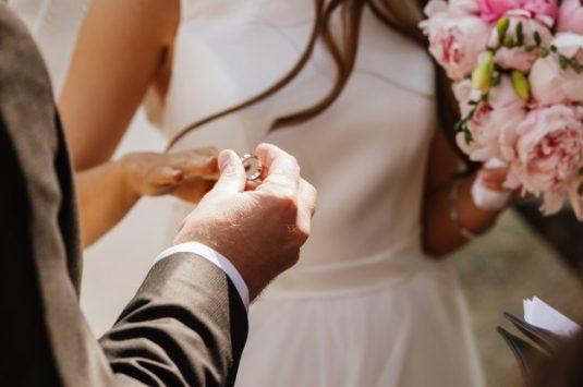 Como Escolher Joias e Alianças para Casamento?