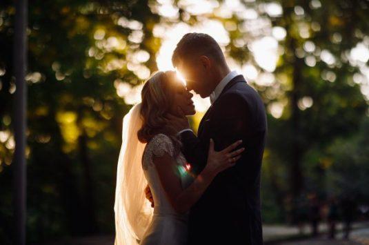 Dicas para realizar seu casamento no campo no verão