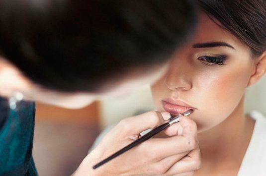 Guia de tendências para maquiagem e cabelo para casamentos