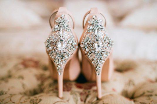 Sapatos de noivas para um casamento no campo: conheça os melhores modelos.